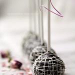 Шоколадные кейк попсы с вишней (Baked Cake Pops)